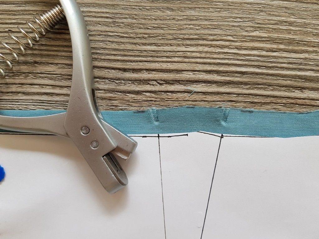 Marquer des crans de montage à l'aide d'une pince