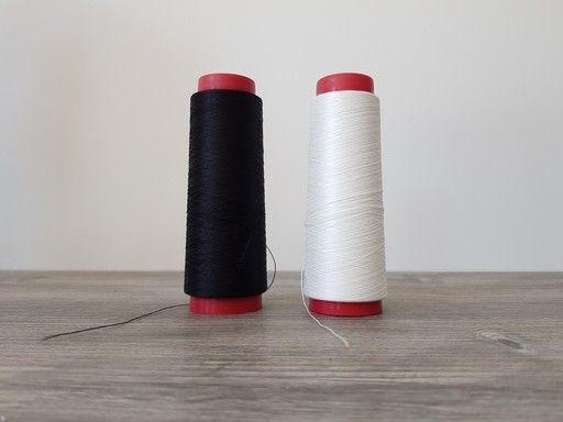 Cône de fil mousse pour coudre du tissu stretch