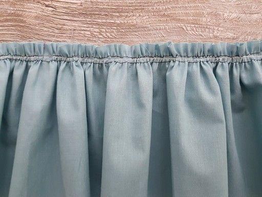Faire l'assemblage des fronces sur du tissu fin