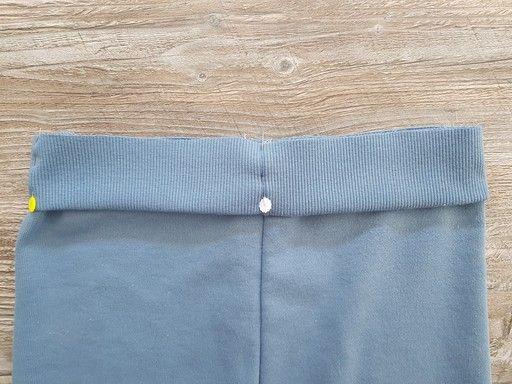 Faire correspondre les repères et les coutures pour l'assemblage d'un bord-côte