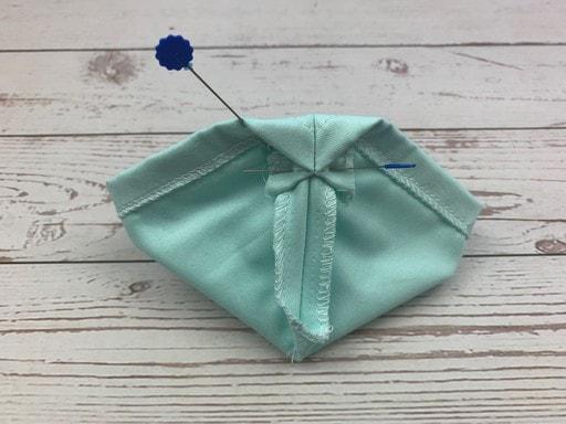 Coudre un masque de protection en tissu - préparation de la coulisse