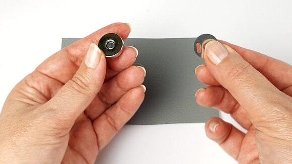 bouton magnétique femelle