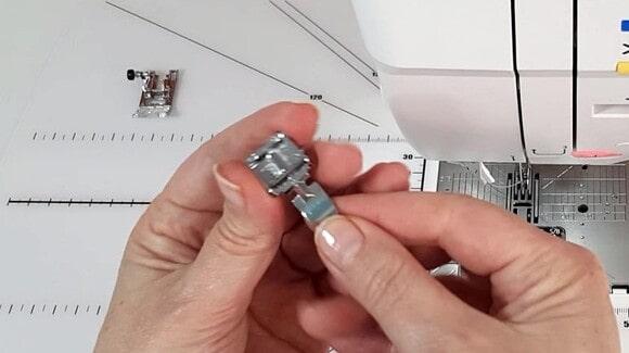 Pied presseur spécial fermeture à glissière