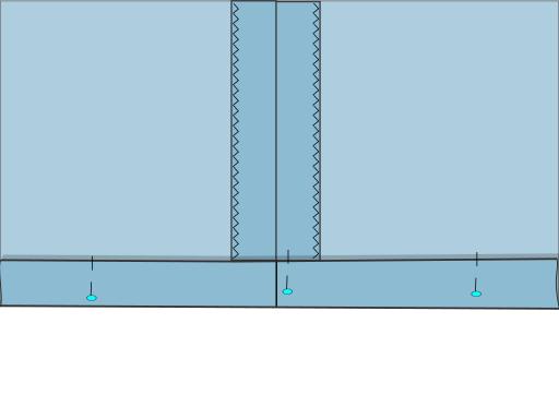 faire coïncider les axes de couture d'un ourlet double